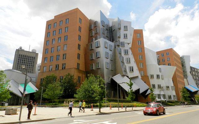 800px-MIT's_Stata_Center